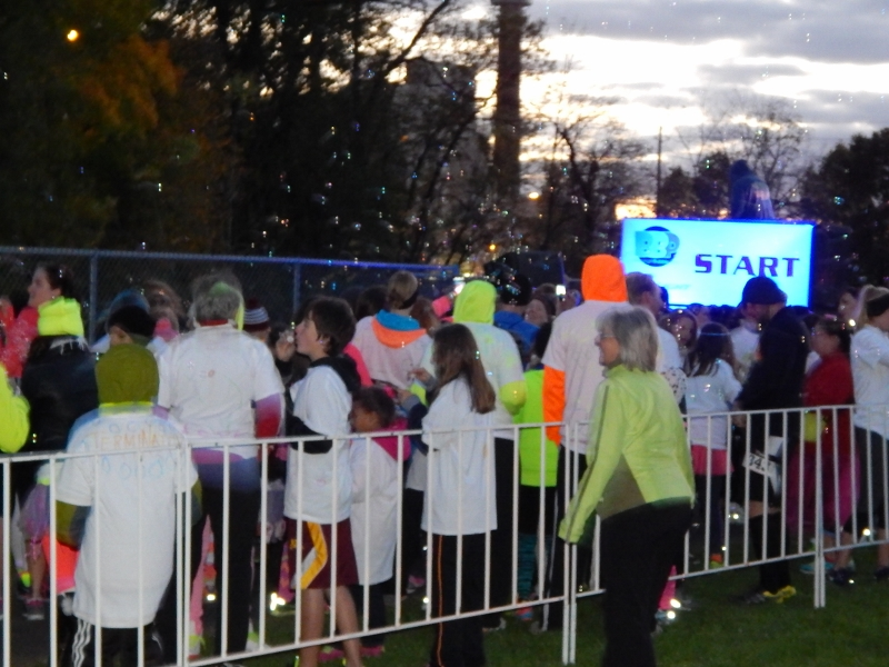 Blacklight Bubble Party 5K starting line