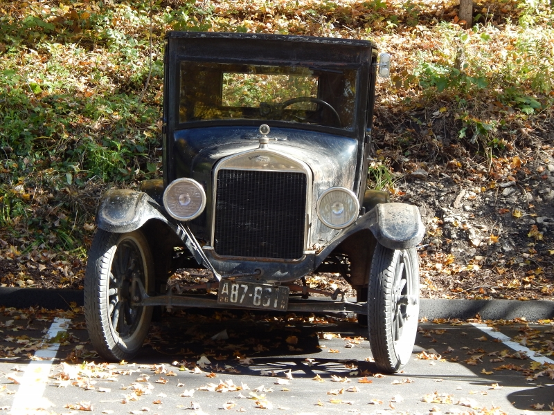 Touring Mayowood Mansion and Model T Ford